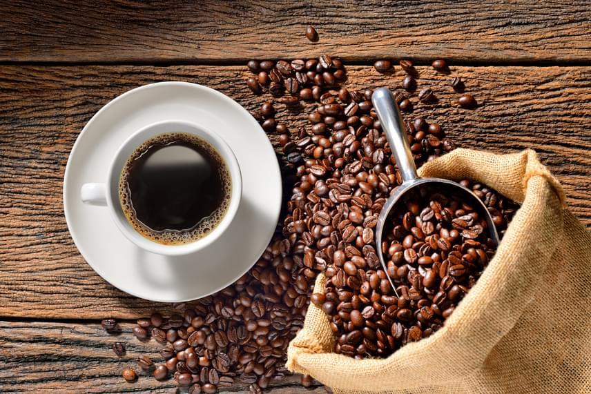 fekete kávé cukor nélkül a fogyáshoz cw kender fogyás